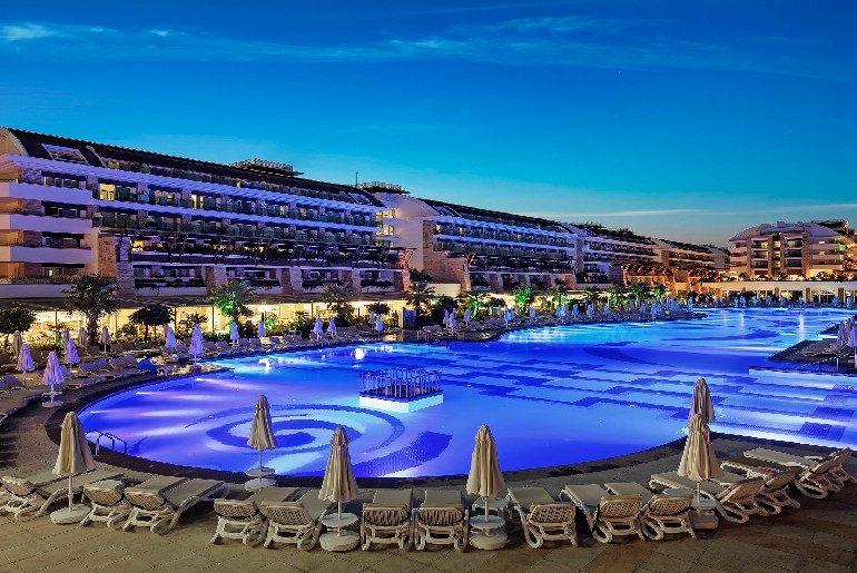 هتل کریستال واتر ورد آنتالیا